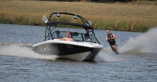 For Maximum Fun, Retrofit Your Ski Boat