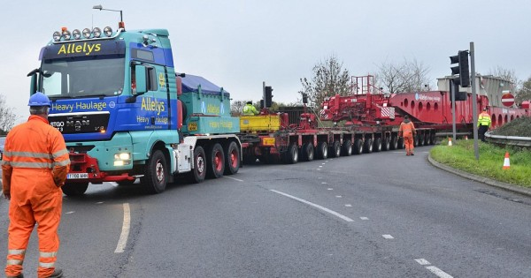Why Flatbed Trailers Are Great When Transporting Large Loads