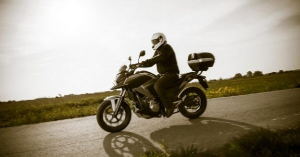 Five Tips to Stay Safe While Riding a Motorcycle